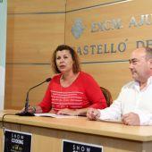 La concejala de Turismo, Patricia Puerta, presenta la jornada con el chef Miguel Barrera.