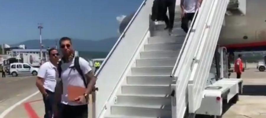 Sergio Ramos en la llegada de la selección española en Sochi