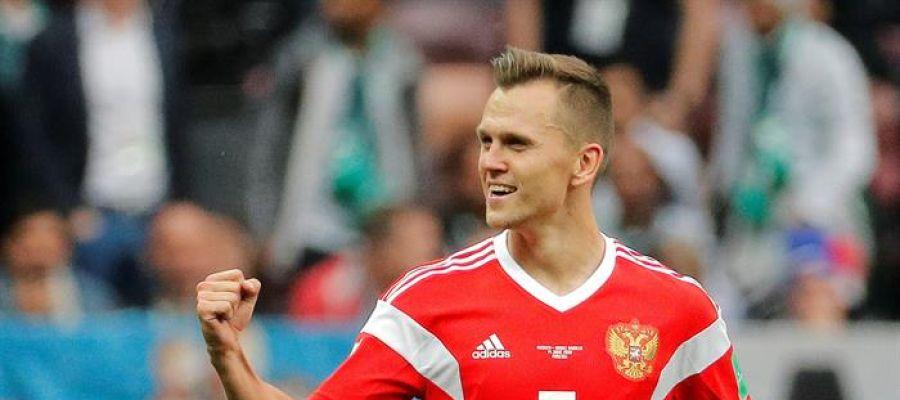Cherychev celebra su gol en el Mundial de Rusia.
