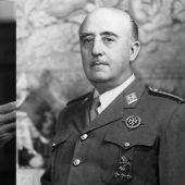 Montaje de Pedro Sánchez y Francisco Franco