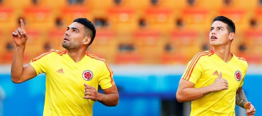 Radamel Falcao y James Rodríguez en un entrenamiento con Colombia
