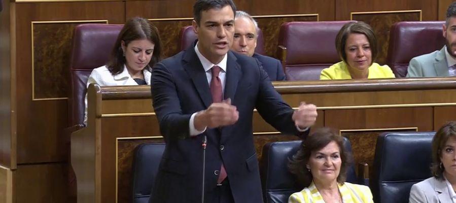 """Sánchez pide lealtad al PP pero Hernando avisa de que la tendrán sólo """"con España, la Constitución y el Rey"""""""