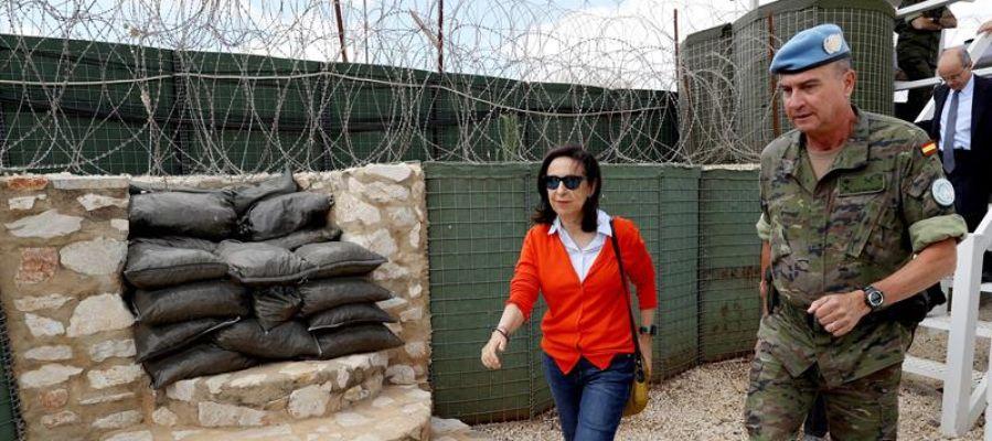 Robles realiza su primer viaje al extranjero con la visita a las tropas en Líbano