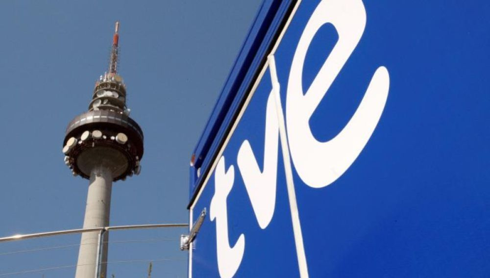 """Vista de la torre el """"Pirulí"""", centro de comunicaciones de RTVE"""