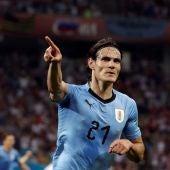 Cavani celebra un gol ante Portugal