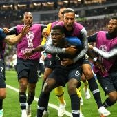Pogba celebra su gol a Croacia