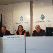 Los concejales del Ayuntamiento de Elche Carlos Sánchez, Tere Maciá y José Pérez.