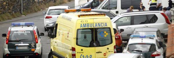Las fuerzas de seguridad en La Orotava (Tenerife), lugar donde aparecieron los cuerpos