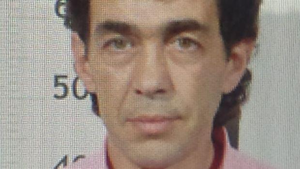 Sigue la búsqueda del hombre que ayer por la noche se atrincheró en su vivienda de Turieno