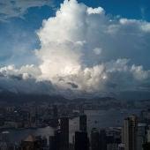 Imágen de las nubes sobre el puerto Victoria
