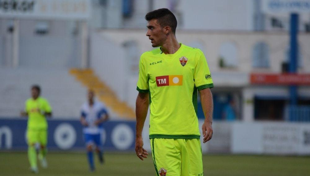 Claudio Medina en su debut como jugador del Elche CF ante el CD Alcoyano