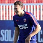 Arias en un entrenamiento con el Atlético de Madrid