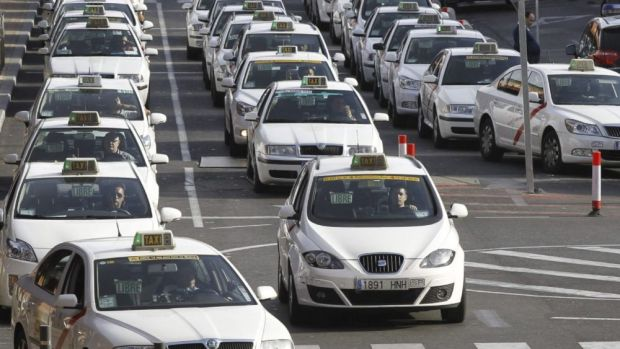 Los taxistas de Madrid irán a la huelga indefinida a partir del lunes, en vísperas del arranque de FITUR