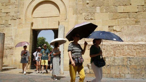Llega la primera ola de calor del verano: temperaturas superiores a los 40 grados a partir del miércoles