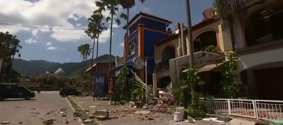 Más de 150 españoles intentan salir de Lombok tras el terremoto que ha dejado más de 90 muertos