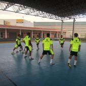 El Elche CF Sala en su primer entrenamiento en el Pabellón de El Toscar.