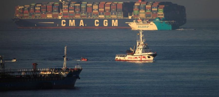 El buque Open Arms a su llegada al muelle de San Roque (Cádiz)