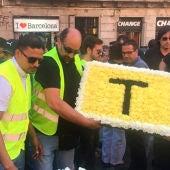 Taxistas de Barcelona homenajean a las víctimas del 17 A
