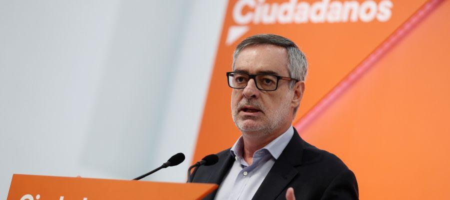El secretario general del partido, José Manuel Villegas, durante la rueda de prensa