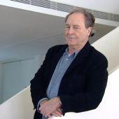 El escritor y periodista Vicente Verdú da nombre al Premio de Periodismo Vicente Verdú.