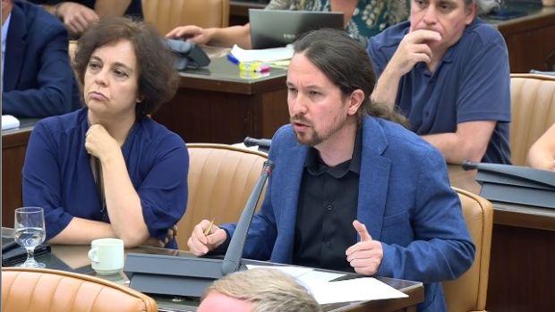 Pablo Iglesias durante la comparecencia de Aznar