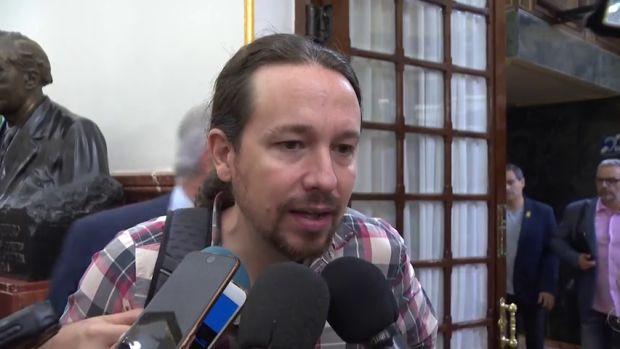 """Iglesias defiende a Sánchez de las acusaciones de plagio: """"Son una irresponsabilidad que deja su escaso prestigio por los suelos"""""""