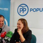 Loreto Cascales y el secretario general del PP de Elche, José Navarro