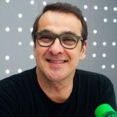 Luis Merlo en los estudios de Onda Cero