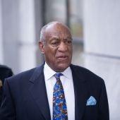 El cómico estadounidense Bill Cosby llega a los juzgados del condado de Montgomery en Norristown, Pensilvania,