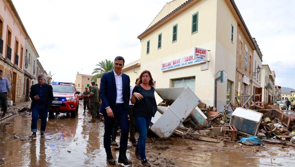Francina Armengol y Pedro Sánchez durante su visita a Sant Llorenç