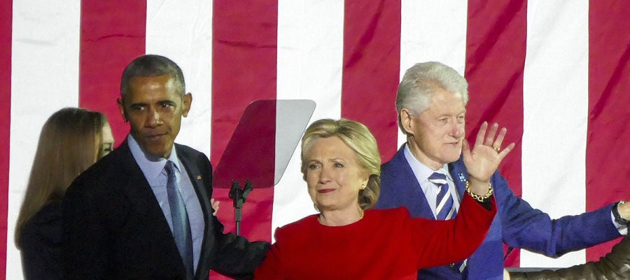 Barack Obama con Hillary y Bill Clinton