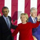 Barack Obama con Hillary y Bill Clinton