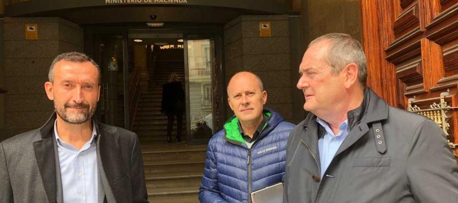 El alcalde de Elche, el concejal de Urbanismo y el gerente de Pimesa en el Ministerio de Hacienda