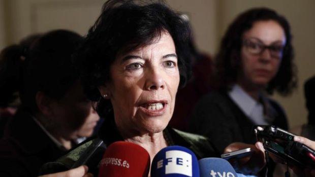 """Celaá justifica aprobar Bachillerato con un suspenso: """"Es un gran favor para el alumno"""""""