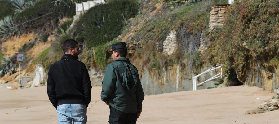 Hallan a un duodécimo inmigrante muerto tras el naufragio de una patera en Cádiz