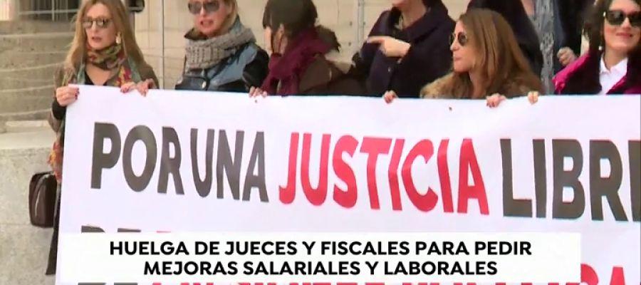 Paralizadas las protestas de los trabajadores de Justicia tras la primera actuación del gobierno central.