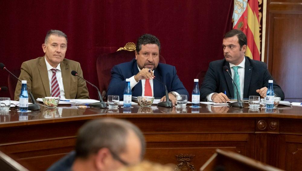 El presidente provincial, Javier Moliner, durante el pleno de hoy.