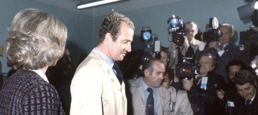 Los entonces Reyes de España, Juan Carlos y Sofia. se disponían a votar en el referéndum sobre la Constitución española.