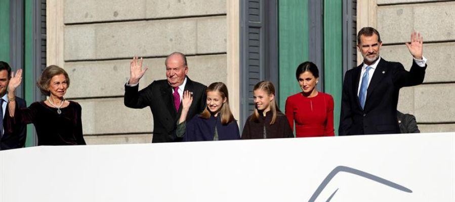 La Familia Real a su llegada al Congreso para los actos del 40 aniversario de la Constitución