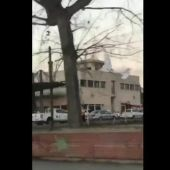 Mueren dos personas al chocar su avioneta contra una gasolinera de Badia del Vallès, Barcelona
