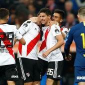Los jugadores de River Plate celebran el gol en el Bernabéu