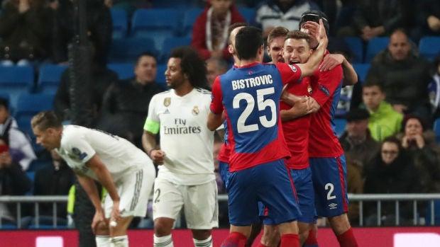 Los jugadores del CSKA celebran uno de los goles contra el Real Madrid