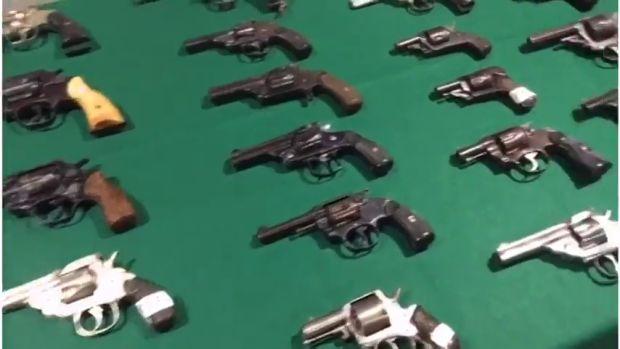 El Gabinete: ¿Es un derecho llevar armas?