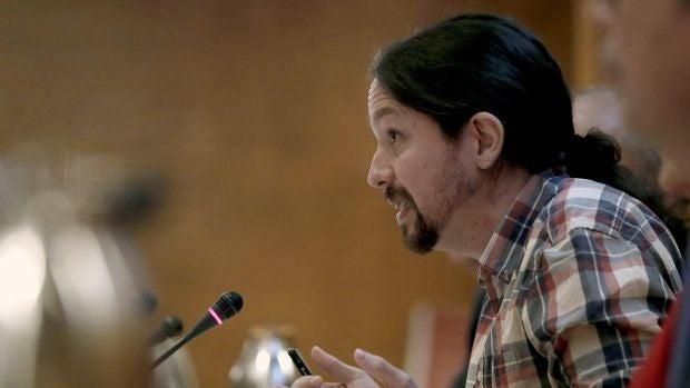 """Personas Físicas: El duelo """"recital"""" en modo 'Don Mendo' de Pablo Iglesias y Luis Aznar en el Senado"""