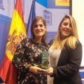 Aspe recibe el premio nacional de Buenas Prácticas Municipales por su programa de absentismo escolar de la Concejalía de Educación.