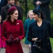 Meghan Markle y Kate Middleton durante la misa de Navidad