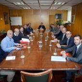 Mesa de trabajo conformada por representantes del Ministerio, de la Junta de Andalucía, del Govern, de Cemex y de las federaciones sectoriales de UGT y CCOO