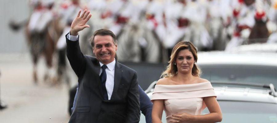 Bolsonaro junto a su esposa antes de su toma de posesión