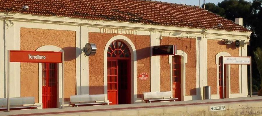 Estación de Renfe en la pedanía de Torrellano de Elche