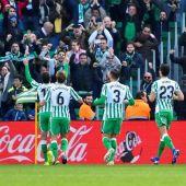 Cristian Tello celebra su gol ante el Girona